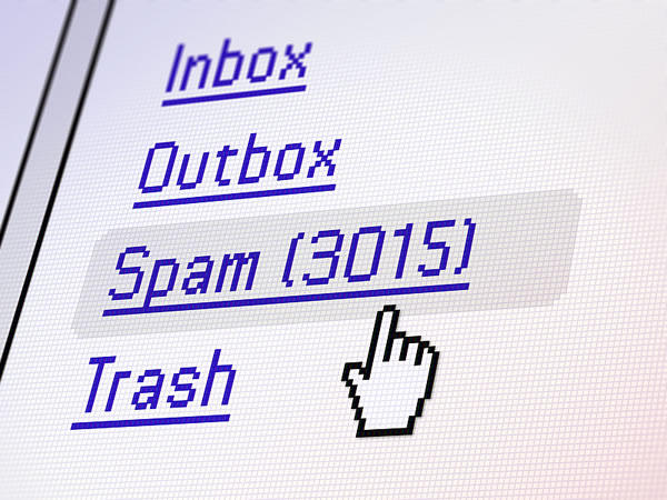 A screenshot of an email inbox with 3,015 spam messages.